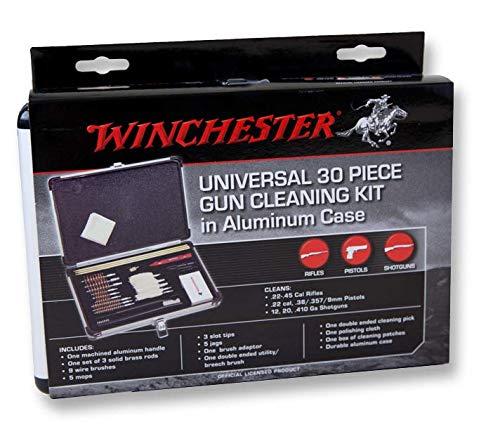 Valigetta di alluminio Winchester inclusa Include 3 bacchette in ottone, 9 scovoli in bronzo (.22/.270/.280/.30/.357/.38/9mm/.40/.45/12/20/.410) 5 scovoli in cotone (.22/.357/.38/9mm/12/20/.410), 3 tira pezzuole 5 punte in ottone per pezzuola (.22/.3...