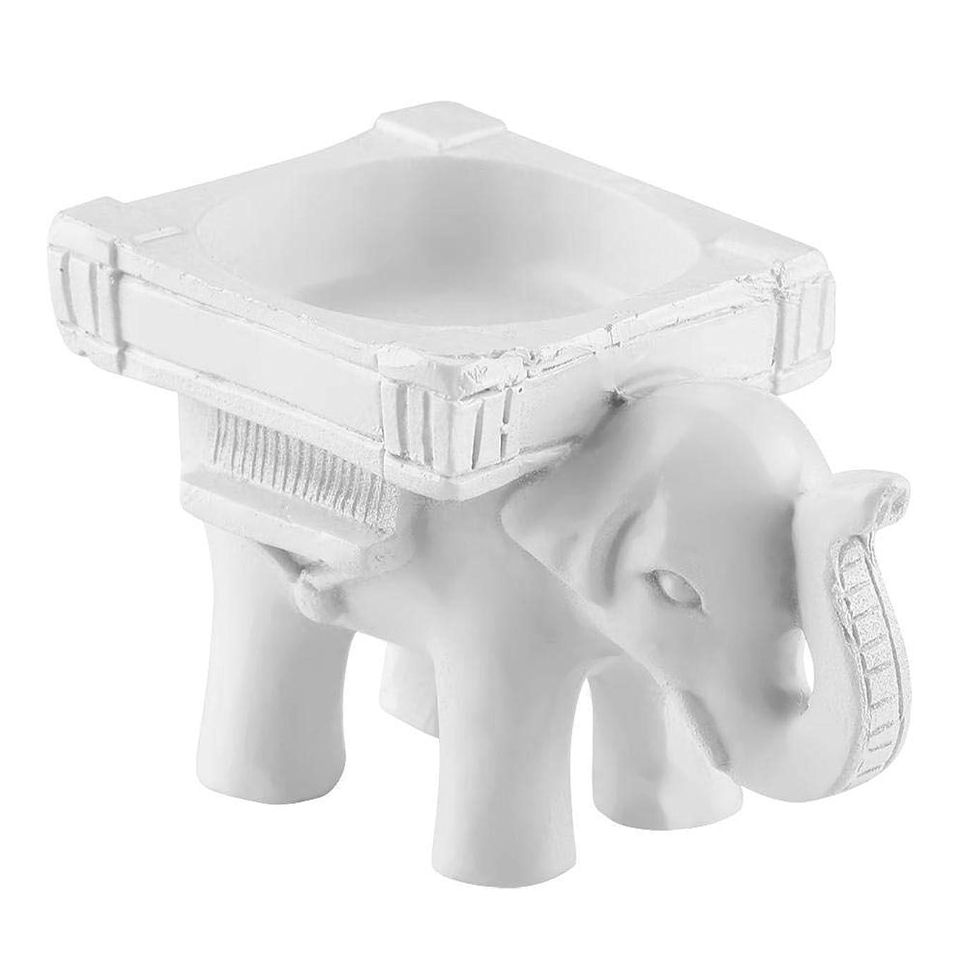 粘液ピラミッドパンフレット樹脂の燭台、古典的な彫刻が施された象の形の燭台の蝋燭ホールダーの家の装飾