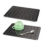 mDesign Juego de 2 útiles tapetes para fregaderos – Práctico protector de fregadero de plástico para la cocina – Base para fregadero para proteger la vajilla – negro mate