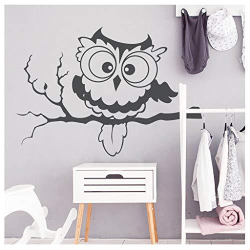 Wandtattoo Eule auf einem AST Wandsticker Kinderzimmer / 09 Hellrosa / 55 cm hoch x 79 cm breit