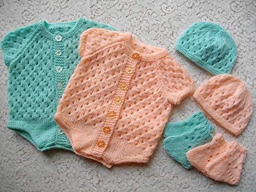DollieBabies Knitting Pattern 12 - Newborn Baby Vest/Onesie/Bodysuit (English Edition)