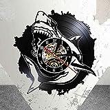 UIOLK Creatividad Retro Diseño Océano Horror Tiburón Silueta Reloj de Pared con Registro de Vinilo Real Animales Marinos Iluminación LED Reloj de Pared Decoración del hogar