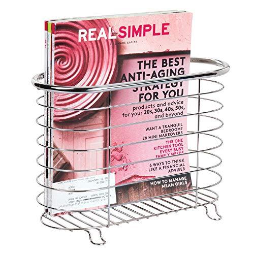 mDesign freistehender Zeitungshalter fürs Badezimmer – schöner Zeitschriftensammler aus Metall – schickes Badzubehör für Zeitungen, Magazine, Bücher und Co. – silberfarben