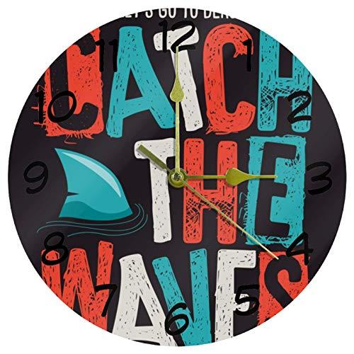 HEOEH Catch The Waves Shark Surf Reloj silencioso redondo de pared 22,8 cm decorativo para sala de estar