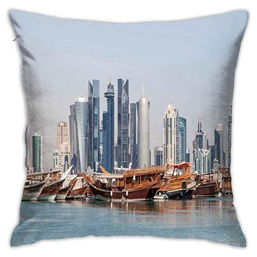 SHUJIA Kissenbezug Kissenbezug, Skyline von Katar City an der Dhow Middle n Coast mit Blick auf die Wolkenkratzer von Schiffen, 18 x 18 Zoll