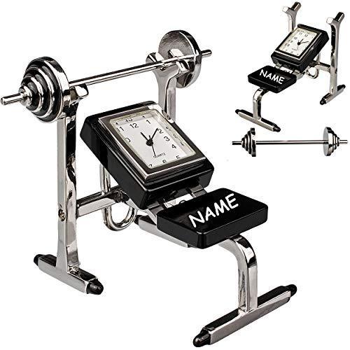 alles-meine.de GmbH kleine - Tischuhr / Miniatur - Uhr - Fitnessgerät / Hantelbank - Trainingsbank - inkl. Name - aus Metall - 7,8 cm - batteriebetrieben - Analog - Batterie - sc..
