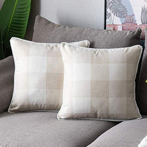 Juego de 2 fundas de almohada de búfalo de otoño beige de 20 x 20 pulgadas con bonitos pompones retro de granja rústica, fundas de cojín cuadradas para decoración de sofá de casa de granja