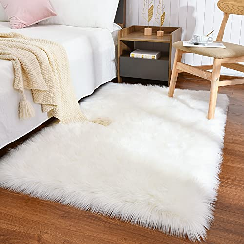 Maxsoft Faux Fur Sheepskin Washable Rug for Bedroom, 3 x 5 Feet White Luxury Fluffy Rug for Girls Bedroom, Livingroom, Floor, Home Decor, Furry Chair Cover Seat Pad