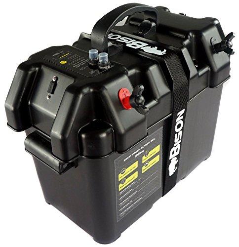 El medidor de carga de la batería muestra el estado de la carga de la batería instalada mediante una pantalla LED. Toma de 5 V ideal para poner en funcionamiento y recargar teléfonos, tablets, etc. Toma de 12 V tipo mechero. Interruptor de 10 amperio...