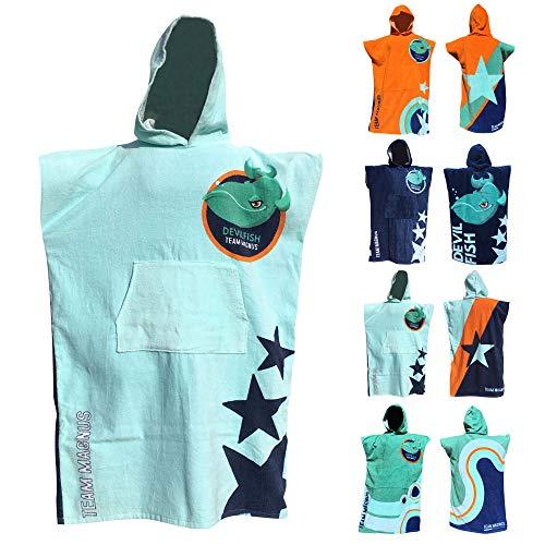 TEAM MAGNUS Bademantel/Strandtuch - großes Handtuch für Bad u. Outdoors - Vier Coole Designs/Farben im Poncho-Stil (Einheitsgröße für Kinder u. Teens 120-170 cm) (Hellblau)