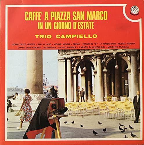 Caffè a Piazza San Marco in un giorno d'estate