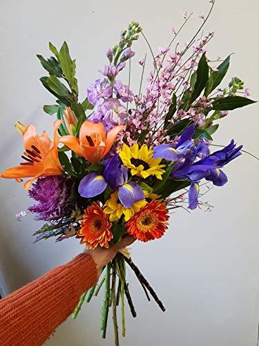 Mazzo con fiori freschi di stagione