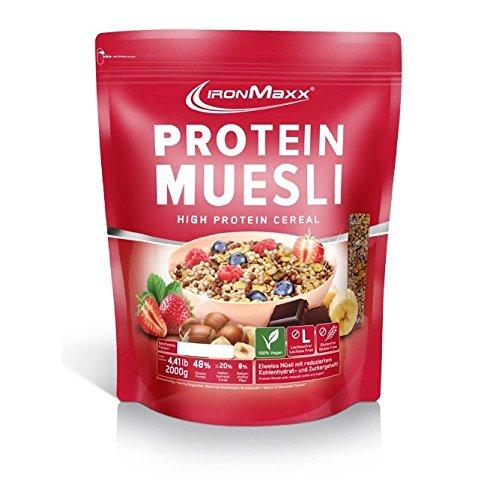 IronMaxx Protein Müsli Erdbeere - Veganes Fitness Müsli laktosefrei und glutenfrei - Eiweiß Müsli mit Erdbeergeschmack - 1 x 2 kg