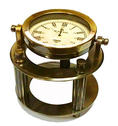 Hermoso reloj de escritorio de latón macizo estilo vintage para la mesa del capitán.