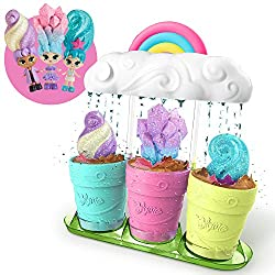 Just add water to magically grow 3 Limited Edition Blume dolls with sparkly hairstyles! 3 Secret Playsets come in every set 25+ surprises include accessories, stickers, and fashions that you can mix and match. Rainbow Cloud can be used to water real ...