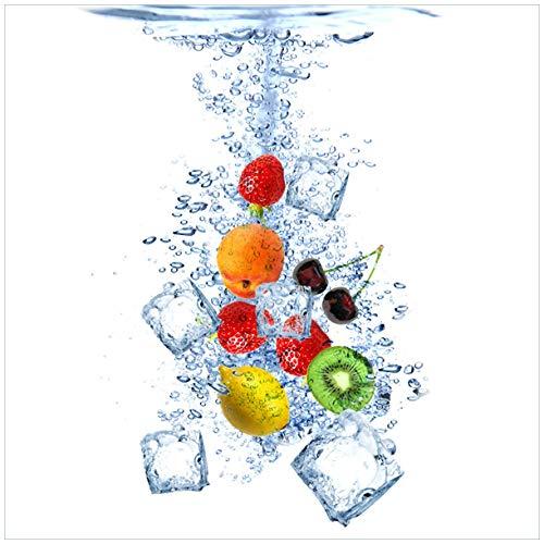 Wallario Sticker/Aufkleber für Kühlschrank/Geschirrspüler/Küchenschränke, Selbstklebende Folie - 60 x 60 cm, Motiv: Obst-Eiswürfel-Mix im Wasser mit weißem Hintergrund