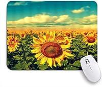 VAMIX マウスパッド 個性的 おしゃれ 柔軟 かわいい ゴム製裏面 ゲーミングマウスパッド PC ノートパソコン オフィス用 デスクマット 滑り止め 耐久性が良い おもしろいパターン (自然の風景青空ひまわり畑緑黄色い花)
