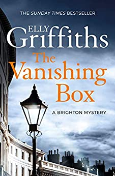 The Vanishing Box: The Brighton Mysteries 4 par [Elly Griffiths]