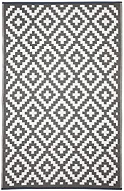 Aztec Grey and White Outdoor Rug and Mat | | Recycled Plastic Mat | Fab Habitat (120x179 cm)