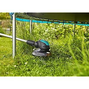 GARDENA Akku-Trimmer EasyCut Li-18/23: Rasentrimmer mit 230 mm Schnittkreis, verstellbarer Griff, Pflanzenschutzbügel und Stielneigungsverstellung (9876-55)