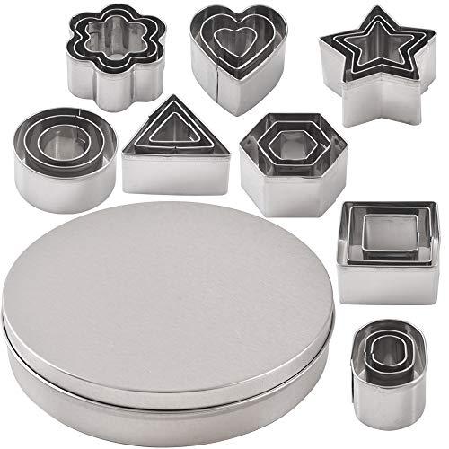 Newk - Set di 24 formine per biscotti in acciaio inox, a forma di cuore, stella, fiore, geometrica, misure assortite