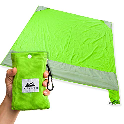 WELLAX Sandfree Beach Blanket - Waterproof Compact Pocket Blanket - Best Sand Proof Picnic Mat for Travel, Camping, Hiking and Music Festivals - Durable Tarp with Corner Pockets (Green)