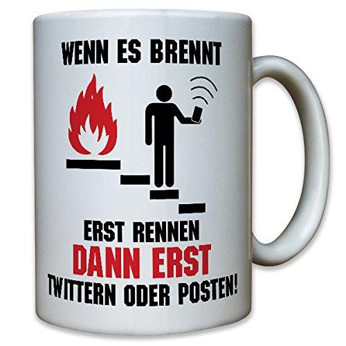 Twitter Facebook Social Media Brandmelder BMA rookmelder Alarm Mobile Smartphone vluchtweg Plezier Fun Humor Brandweer - Mok Koffie Beker #10601