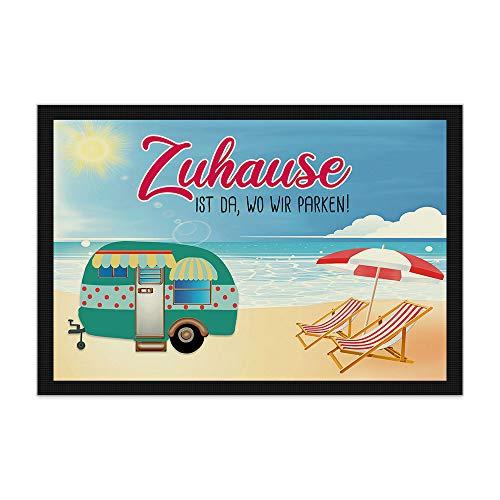 Print Royal Camping Fußmatte mit lustigem Spruch - Strand - Zuhause ist da, wo wir parken - Geschenkidee / Camping Zubehör / Campingmatte / Vorzeltteppich - 60 x 40 cm