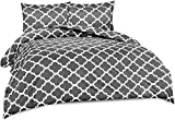 Utopia Bedding 3-Piece Printed Duvet Cover Set- Soft Brushed Microfiber Fabric- Wrinkle, Shrinkage and Fade Resistant-Easy Care (Queen, Quatrefoil Grey)