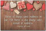 Mundus Souvenirs – There is always some folie in love. citation de Friedrich Nietzsche imprimée sur plaque en bois – Taille: 15cm x 10cm