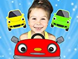 Learn colors - Driving cars with Diana and her brother