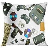 Throw Pillow Cover La tecnología multimedia de los últimos 80 S Unidades de CD Videocasetes Consola de juegos de audio Cartuchos Controladores Película Funda de almohada decorativa Decoración del hoga