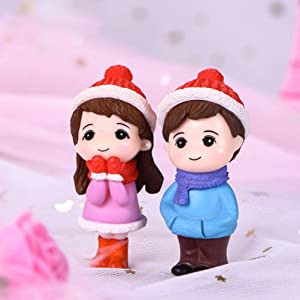 zhaibiao-us 1 Pair Fairy Garden Micro Landscape Couple Miniature Figurine Boy and Girl Bonsai Fairy Garden Accessories DIY Dollhouse Couple Dolls Model Ornaments (Red Hat)
