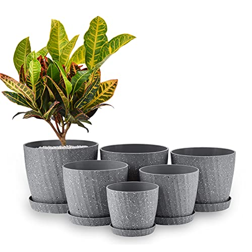 Set of 6 Plastic Planters with Saucers ,7.5/7/6.5/6/5.5/4.5 Inch Plant Pots with...
