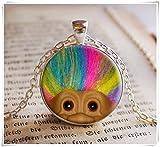 One Life ,one jewerly Pendentif en forme de poupée Troll avec cheveux arc-en-ciel, collier d'art, bijou en verre fait à la main