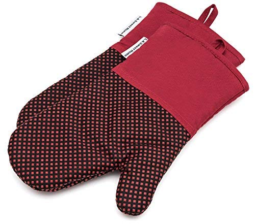 Silicone Oven Mitts 464 F Heat Resistant Potholders Dot Pattern Cooking Gloves NonSlip Grip for Kitchen Oven BBQ Grill Cooking Baking 7x13 inch as Christmas Gift 1 pair Red by LA Sweet Home