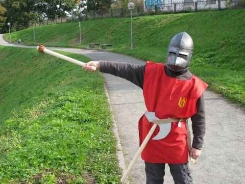 Helm eines mittelalterlichen Kriegers. Spielhelm - 3