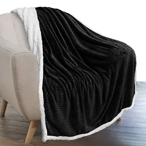 PAVILIA Sherpa Blanket Throw for Couch Sofa | Black, Super Soft, Plush Chevron Throw Fleece Blanket | Zig Zag Fuzzy Fluffy Decorative Blanket Microfiber, 50x60