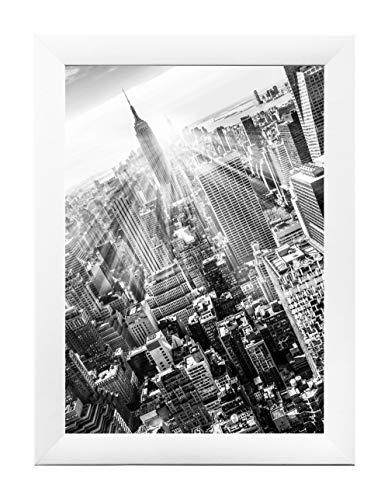 Framo 35 Bilderrahmen 82 x 58 cm (Weiss Matt) maßgefertigt, 35 mm breite MDF-Holz Rahmen Leiste inkl. stark entspiegelter Anti-Reflex Acrylglasscheibe, Stabiler Rückwand und Aufhängern