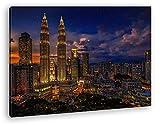 deyoli Kuala Lumpur in Malaysia bei Nacht Format: 120x80