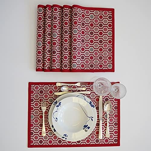 PLACEMATFAB Manteles Individuales Antimanchas, Impermeables y Lavables Fifth Avenue Rojo. Rectangular Color Granate. Tela de algodón resinado. Hechos a Mano. 6 Unidades de 50x35 cm.