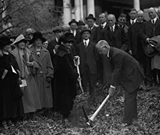 1924 photo Duncan Stuart & Mrs. E.K. Clinton break ground for Takoma Park, Ma d2