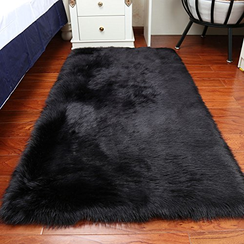 Faux Fur Sheepskin Area Rug, Baby Bedroom Rugs Fluffy Rug Home Decorative Shaggy Rectangle Carpet, 2x3 Feet, Black