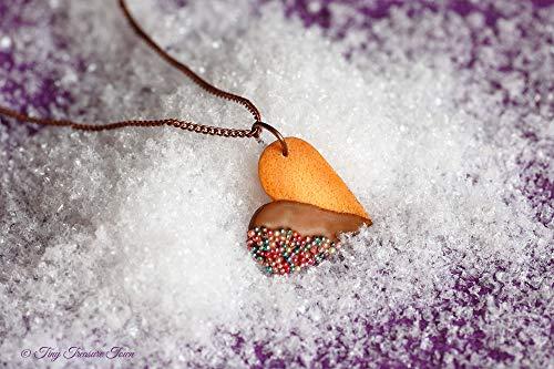Handgemachte Keks Halskette aus Polymer Clay - Herz mit Vollmilch-Schokolade und bunten Streuseln
