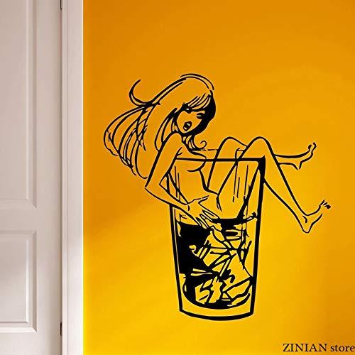 Muurstickers meisje whisky on the rock muursticker tienerkamer met verwijderbare vinylkunst muurschildering voor nachtclubfeest <> 42x45cm