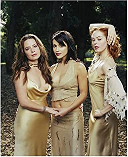 Charmed 8x10 Photo Holly Marie Combs/Piper Halliwell, Alyssa Milano Phoebe Halliwell & Rose McGowan/Paige Matthews Very Sexy Gold Dresses Outside Pose 2 kn