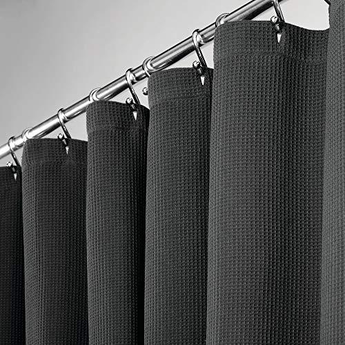 mDesign hochwertiger Duschvorhang mit Waffelgewebe – weicher & leicht zu pflegener Badewannenvorhang – Spritzschutz aus 100prozent Baumwolle für die Dusche oder Badewanne – schwarz