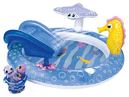Piscina infantil para divertirse en el baño