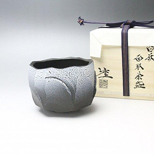 Affordable Matcha mentori white teabowl made by Tohru Funasaki. Hagi yaki Japanese ceramic.