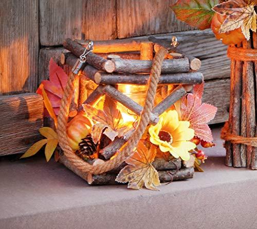 Laterne Herbstzeit aus Holz mit Glas-Windlicht und Deko-Kürbissen, Blüten, Blätter